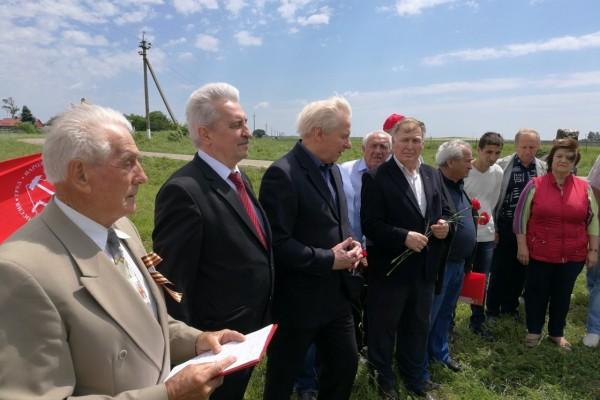 Коммунисты Краснодарского края и Республики Адыгея восстановили памятную стеллу — к столетию первого хуторского Совета на Кубани