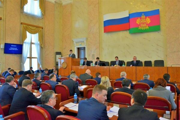 Депутаты фракции КПРФ Заксобрания края поддержали принятие законов по развитию животноводства и по проблемам обманутых дольщиков