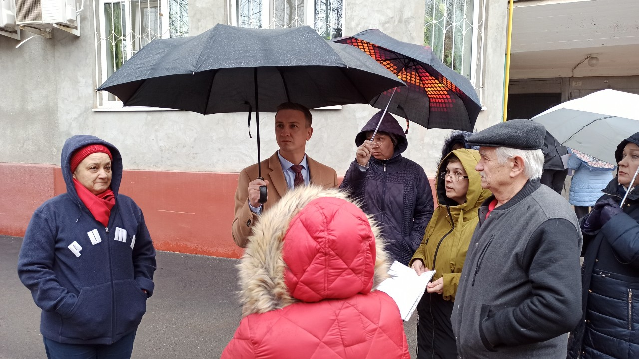 Краснодар. Коммунисты-депутаты разбираются с нарушениями при строительстве объекта